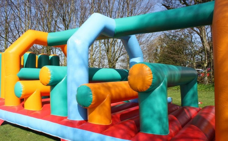 5 Reasons for Hiring our Inflatable Assault Course